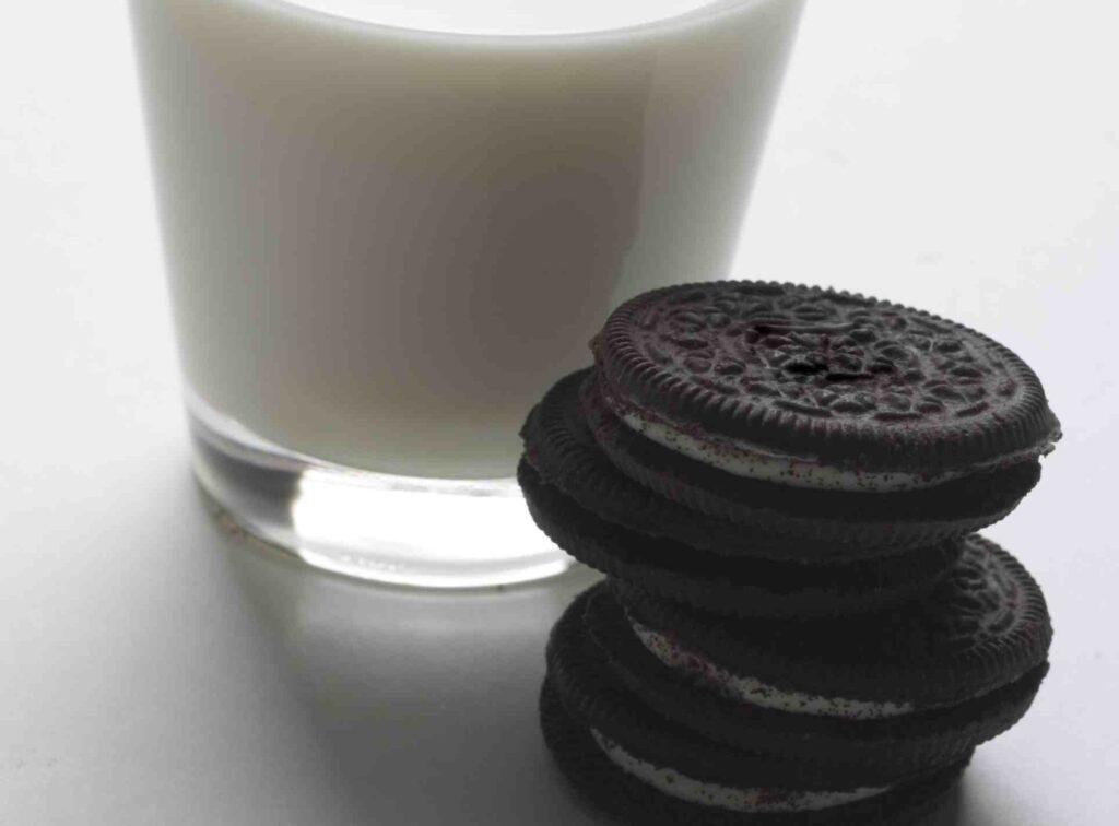 latte e biscotti autosvezzamento