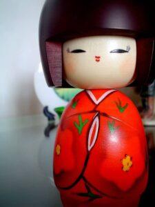 bambola giapponese Kokeshi autosvezzamento