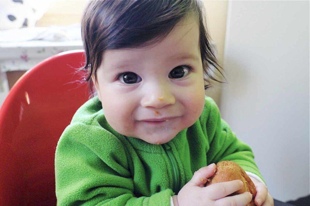 Bambino 7 mesi autosvezzamento