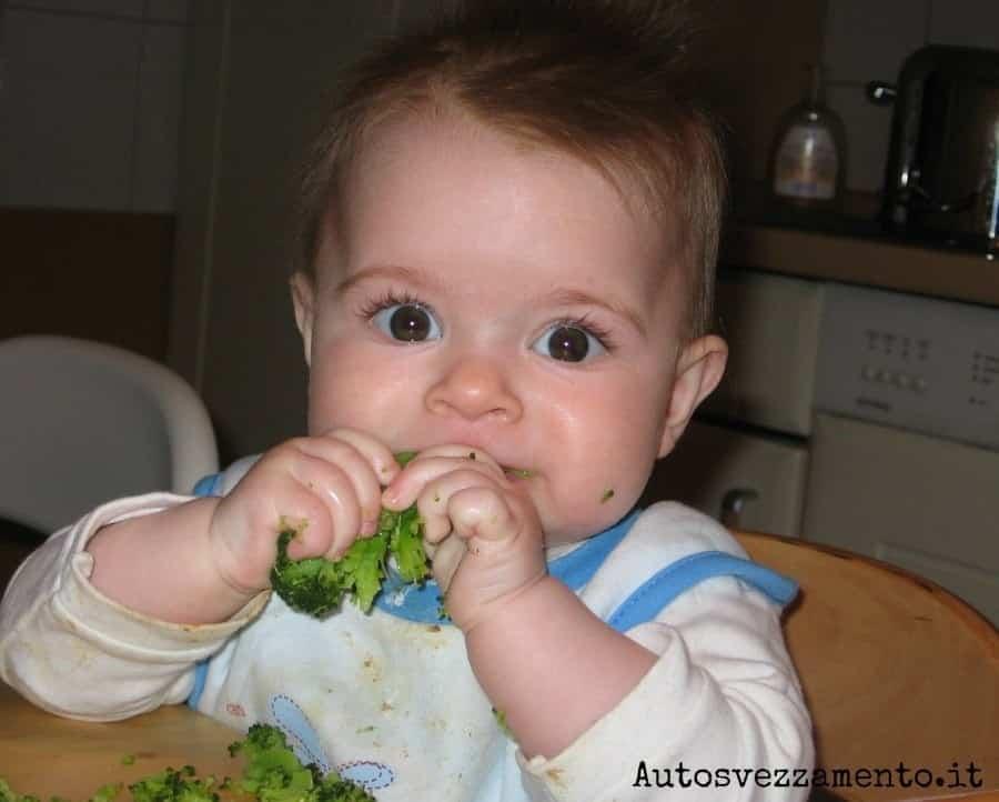 Sofia_6 mesi_primi esperimenti_broccolo