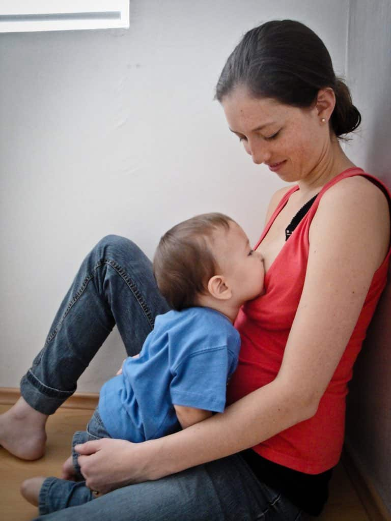 allattamento bambino grandicello